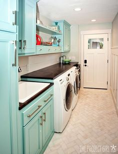 Kelly Moore Acapulco Aqua and Sherwin Williams Sea Salt : for the kitchen island and sea salt for kitchen walls????  WIth off white perimeter cabinets?
