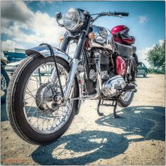 Constellation - 1960 750cc Royal Enfield