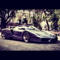 Italian God. Ferrari Enzo.