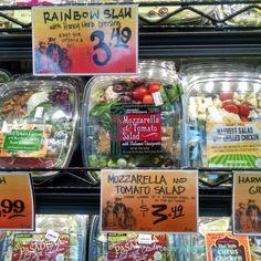 Trader Joe's Mozzarella & Tomato Salad for $3.49 トレーダージョーズのモッツアレラ&トマトサラダ