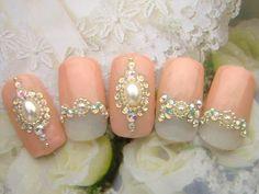 2015年,大人気,ブライダルネイル,参考,画像,まとめ053 Diamante Nails, Diamond Earrings, Pearl Earrings, Cat Wedding, Gem Nails, Nail Jewelry, Crystal Nails, Pink Design, Pretty Nails