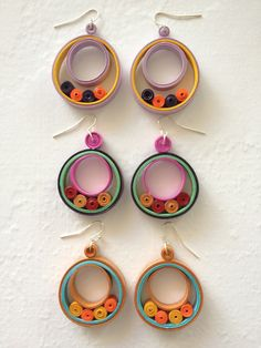 Paper Quilling Earrings, Paper Quilling Designs, Quilling Paper Craft, Quilling Flowers, Quilling Ideas, Quilling Patterns, Fabric Beads, Paper Beads, Paper Quilling For Beginners
