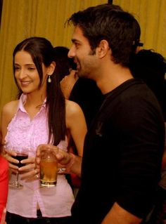 Tv Actors, Actors & Actresses, Happy Birthday Wishes Photos, Arnav And Khushi, Sanaya Irani, Film Movie, Embedded Image Permalink, Pretty Boys, Photo And Video