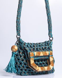 Knitted Bags, Iris, Projects To Try, Shoulder Bag, Embroidery, Pattern, Design, Crochet Hand Purse, Crochet Bag Patterns