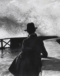 by Jacques Henri Lartigue Black White Photos, Black And White Photography, Yvonne Printemps, Vintage Photography, Art Photography, French Photographers, Photo B, Foto Art, Belle Photo
