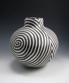 Ceramic and Sculptures Black & White on Pinterest | 124 Pins