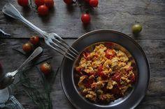 Vanilla&Staubzucker: Scrambled eggs with mini cherry tomatoes and chives – Uova strapazzate con pomodorini cherry e erba cipollina – Kajgana s mini cherry rajčicama i vlascem