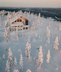 A perfect winter retreat in the Cascades.