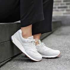 Sneakers femme - New Balance 999 (©nakedcph)