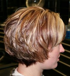 short stacked layered hair styles Short Stacked Hairstyles: Things You Should Know About It Short Stacked Hair, Short Layered Bob Haircuts, Short Sassy Hair, Short Hair With Layers, Short Hair Cuts For Women, Short Hairstyles For Women, Hairstyle Short, Haircut Short, Short Wavy