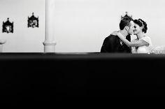 Confira mais detalhes do casamento de Luíza e Robin no EuAmoCasamento.com e fotos de Priscilla Hossaka. #euamocasamento #NoivasRio