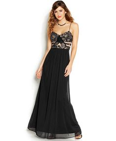 Blondie Nites Juniors' Sleeveless Lace A-Line Gown