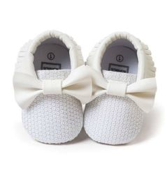 White Baby Booties - Cute Casual Fashionable Comfortable Newborn Baby Prewalker Infant Soft Sole Sequin Baby Booties This cute shoes made of leather. Extremely soft and anti-slip. Great for first walkers and perfect for weddings, birthday, communion, baptism, christmas, summer party or baby shower gift Fit from newborn to 18 months.