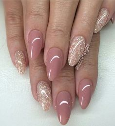 101 Classy Nail Art Designs for Short Nails - pennycakes - 101 Classy Nail Art Designs for Short Nails The cute simple design on one nail is super easy to do, and it just uses your natural nail color, so you don't need to worry about running the . Neutral Nails, Nude Nails, Glitter Nails, My Nails, Acrylic Nails, Oval Nails, Shellac Nails, Coffin Nails, Stylish Nails