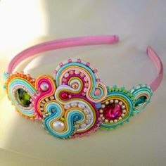 Aurus Biscuit, Cute Necklace, Soutache Jewelry, Hair Band, Baby Dress, Jewelry Crafts, Hair Clips, Jewelry Making, Hair Accessories