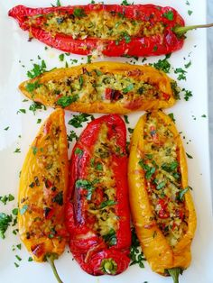 Sweet long peppers, oh how I love thee! These elegant looking peppers are super sweet and never ever bitter. They were once called Ancient Sweets but now you'll find them called, Sweet Twister. Marconi Pepper Recipe, Frittata, Vegan Recipes, Cooking Recipes, Budget Cooking, Vegetarian Cooking, Greek Recipes, Easy Cooking, Easy Recipes