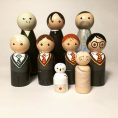 Harry Potter Peg People by mozydoats on Etsy Wood Peg Dolls, Clothespin Dolls, Wood Toys, Wooden Pegs, Little Doll, Kokeshi Dolls, Crafty Craft, Crafting, Diy Toys