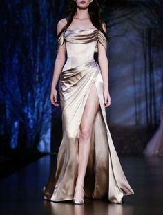 Ralph & Russo Haute Couture Fall/Winter 2015.Paris Fashion Week.