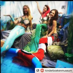 We had so much fun today at Kinderboekenparade Den Haag thanks to my amazing Mersisters @stellathesiren and @mermaidnyxe  #mermaid #mermaids #realmermaid #realmermaids #reallifemermaid #mermaidsofinstagram #mermaidfun #mermaidstyle #mermaidlife #denhaag #kinderboekenparade #zeemeerminpodium #zeemeerminnen #vickymermaid #stellathesiren #mermaidnyxe #fabrictails #shellbra #mermaidhair #mermaidhairdontcare #delfinamermaid