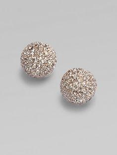 these Michael Kors-Sparkling Pavé Button Earrings are so pretty. Button Earrings, Stud Earrings, Golden Earrings, Diamond Earrings, Jewelry Accessories, Fashion Accessories, Closet Accessories, Look Fashion, Womens Fashion