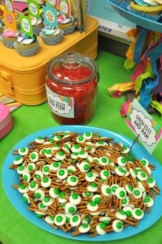 "Fun Food at a Dr. Seuss ""Oh, the Places You'll Go!"" Party #drseuss #partyfood"