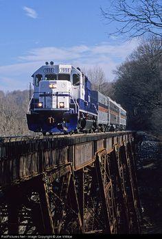 RailPictures.Net Photo: PAL 1998 Paducah & Louisville Railroad EMD GP38-2 at Westpoint, Kentucky by Joe Vittitoe