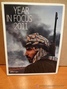 YEAR IN FOCUS 2011. 157 PÁGINAS CON LAS MEJORES FOTOGRAFÍAS DEL AÑO. COMO NUEVO.
