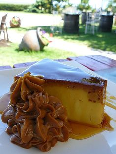 OK This looks AMAZING…. Now I just have to translate the recipe and Flan will be dessert! Sweet Desserts, Just Desserts, Sweet Recipes, Delicious Desserts, Yummy Food, Mexican Food Recipes, Dessert Recipes, Chilean Recipes, Argentinian Recipes