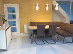 Corner dinning table, white high gloss laminate, ochre wallpaper Corner Dinning Table, Rear Extension, High Gloss, Conference Room, Interior Design, Wallpaper, Furniture, Home Decor, Nest Design