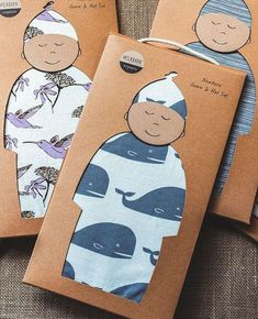 Organic Newborn Gown & Hat Set - Fun Graphics - Ideas of Fun Graphics - Kraft packaging of baby clothes Kraft Packaging, Pretty Packaging, Packaging Ideas, Paper Packaging, Product Packaging Design, Organic Packaging, Cardboard Packaging, Coffee Packaging, Bottle Packaging