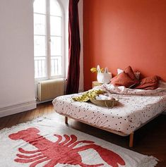 Discover our washable cotton and wool rugs. They can be washed at home! Ecofriendly and high quality rugs. Lobster Cave, Lorena Canals Rugs, Machine Washable Rugs, Lobsters, Cottage Interiors, Nautical Fashion, Coastal Living, Seaside, Ph