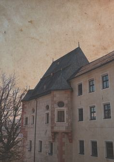 #Innsbruck #weiherburg#oldcastle #artphotography #Textur #overlay Innsbruck, Overlays, Art Photography, Photos, Creative, Overlay, Fine Art Photography