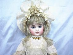 Evelyn Phillips Antique Dolls : PAGE TWO