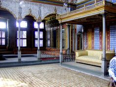 A caption from Harem section, Topkapi Palace. Harem derives from 'haram' that means forbidden. The Harem section was only used by the royal family and the servants.The room was belong to Sultan Murad III. If you want to visit Harem section you need extra ticket for this. #topkapipalace #harem #ottoman #art