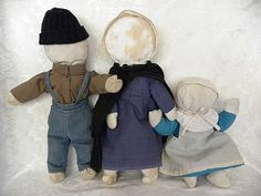 Charming Old Handmade Amish Cloth Faceless Doll Family Americana Century Amish Dolls, Country Kitchen, Annie, Doll Clothes, Textiles, Charmed, Handmade, Vintage, Doll