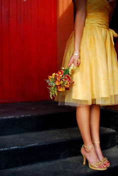 I like the bottom of this for a possible bridesmaid's dress :) and the color!