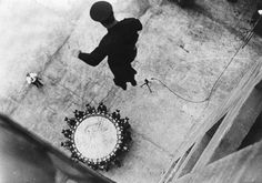Fireman jumping from a building onto one of those trampoline thingamajigs Trampolines, Retro Pictures, Cool Pictures, Time Pictures, Great Photos, Old Photos, Famous Photos, Creative Photos, Vintage Photographs