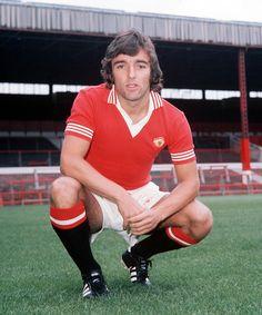 Lou Macari, Manchester United