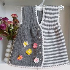 Bilder, Stockfotos und Vektorgrafiken Ornamental Pattern for Knitting and Embroidery Girls Knitted Dress, Knit Baby Dress, Knit Baby Sweaters, Knitted Baby Clothes, Baby Boy Knitting Patterns, Knitting For Kids, Free Knitting, Baby Vest, Baby Cardigan
