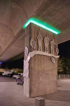 Nachtansicht Der Skulpturen Am Platz Unter Der Sudbrucke In Peine