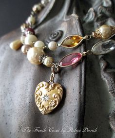9f7b67594b98 NECKLACE vintage heart gold filled diamond por TheFrenchCircus Collares  Vintage
