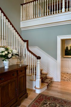 Moulding on stairway entry foyer design, pictures, remodel, decor and ideas - page farrow ball french gray Farrow And Ball Paint, Farrow Ball, Farrow And Ball Blue Gray, Teresas Green, Dix Blue, Edwardian Hallway, Hallway Colours, Hall Paint Colors, Architecture
