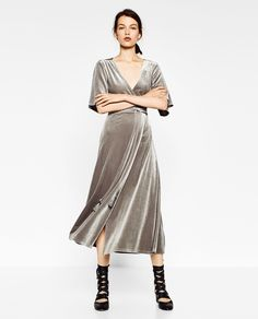 ⚡️last call⚡️Zara grey velvet maxi wrap dress Vestidos Zara, Vestidos Velvet, Velvet Bridesmaid Dresses, Velvet Fashion, Maxi Wrap Dress, Zara Dresses, The Dress, Autumn Fashion, Style Clothes
