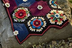 Frida's Flowers #crochet blanket pattern designed by Jane Crowfoot, as a CAL for Stylecraft.