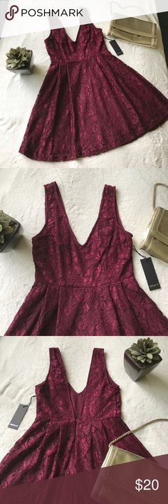 FOREVER 21 Wine Colored Dress Wine/Maroon colored sleeveless with deep neckline. Back has a deep V design as well. Very cute and perfect for a night out or attending a party. 💋💕🥀 Forever 21 Dresses