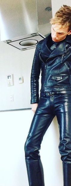 Punkerskinhead — He looks great in leather for sure