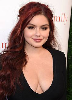 Ariel Winter arrives at the ABC's 'Modern Family' ATAS Emmy Event at Fox Studios on May 2016 in Los Angeles, California. Ariel Winter Modern Family, Ryan Guzman, Ariel Winter Hot, Arial Winter, Gorgeous Women, Beautiful, Celebrity Pictures, Curvy, Hollywood