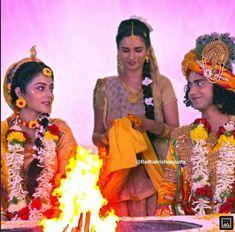 Radha Krishna Pictures, Radha Krishna Photo, Krishna Photos, Mac Lipstick Colors, Cute Krishna, Sari, Lovers, Dreams, Instagram