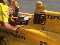 .@RyanHunterReay puts the @DHLUS car into P5. Still a few cars to go. #ABCSupply500 #INDYRIVALS