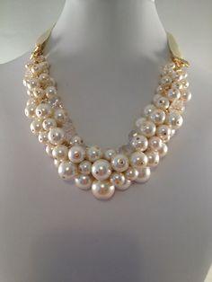 Cintas y perlas racimo collar de la collar por CreationsbyCynthia1